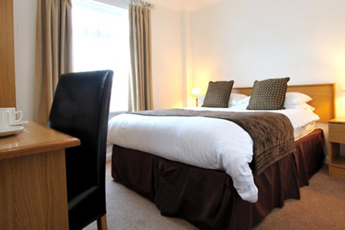 exeter court hotel exeter devon south west holidays. Black Bedroom Furniture Sets. Home Design Ideas